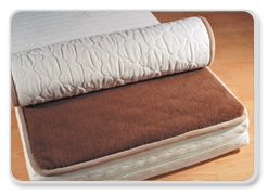 старые шерстяные одеяла